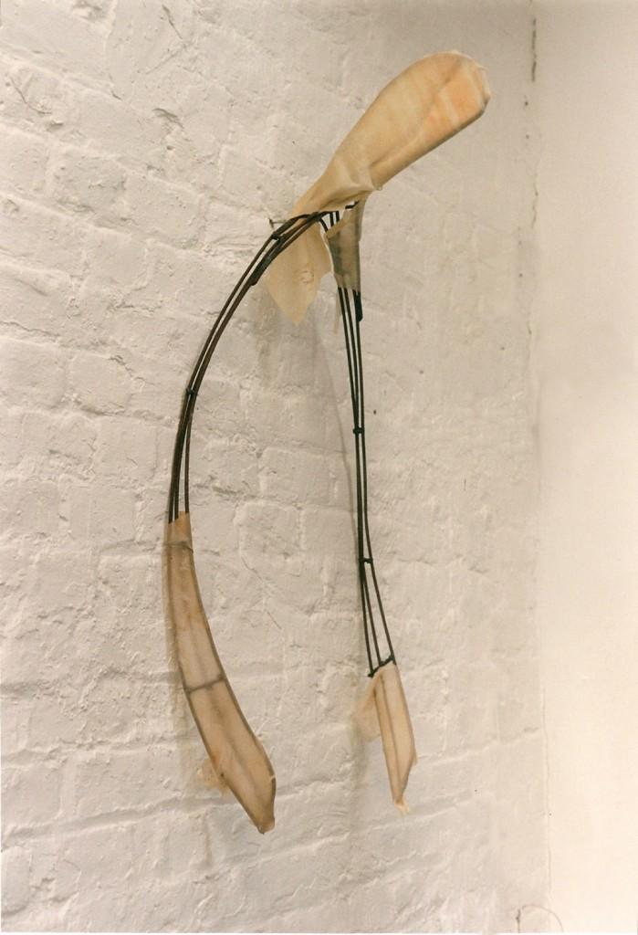 Wishbone II, 1992. 127 x 51 cm [50 x 20in]. Metal and Latex.